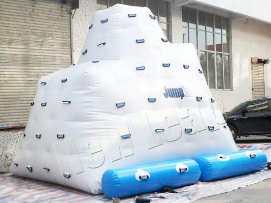 Inflatable iceberg water toys