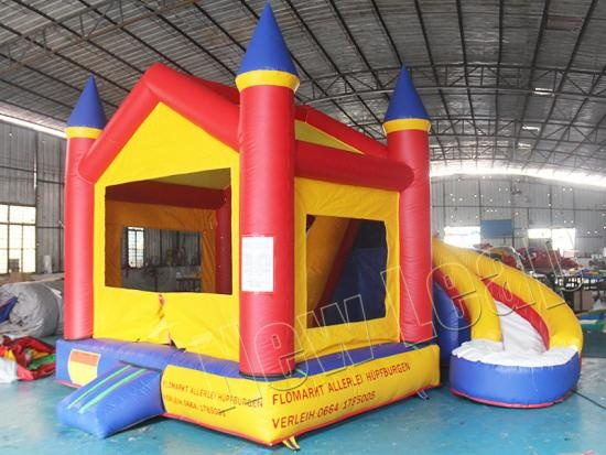 Inflatable castle combo slide