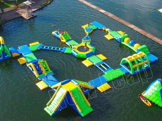 0.9pvc Inflatable Floating Water Playground