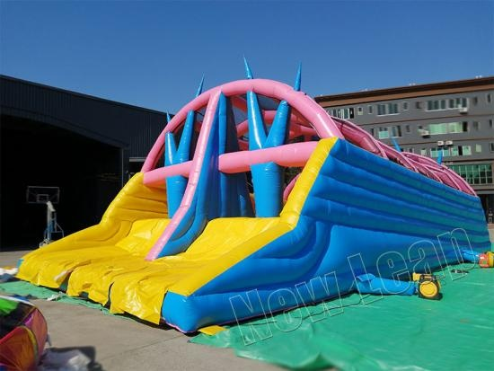 inflatable assault course race