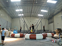 Inflatable bungee for 4people